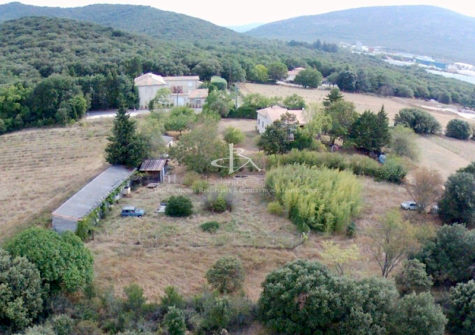 Villa + Studio avec terrain de plus de 5000 m²