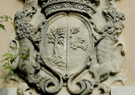 Remarquable château du XVe siècle dans son écrin de verdure…